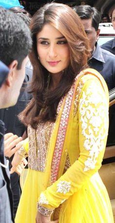Kapoors are finest actors in film industry: Kareena Kapoor Khan Kareena Kapoor Hairstyles, Kareena Kapoor Photos, Kareena Kapoor Khan, Indian Celebrities, Bollywood Celebrities, Bollywood Fashion, Bollywood Actress, Bollywood Style, Karena Kapoor
