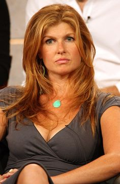 Connie Britton has the best hair! The color, texture, volume~ so jelly Dye My Hair, New Hair, Your Hair, Connie Britton, Gorgeous Redhead, Strawberry Blonde, Aging Gracefully, Queen, Hair Trends