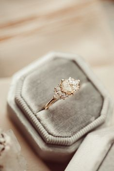 Dream Engagement Rings, Wedding Engagement, Wedding Bands, Engagement Rings Black Diamond, Alternative Engagement Rings, Wedding Goals, Dream Wedding, Wedding Day, Wedding Ring Gold