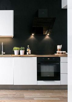 Black and white modern kitchen design New Kitchen, Kitchen Interior, Kitchen Dining, Kitchen Decor, Kitchen Ideas, Kitchen Walls, Kitchen Cabinets, Kitchen Paint, Cupboards