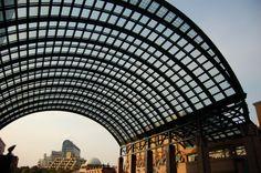 幻想的な建築物ですね。