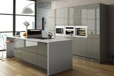 Viseu Handleless Grey White High Gloss Kitchen With Smeg - Pale grey gloss kitchen