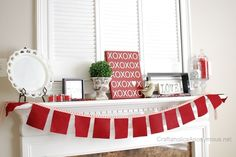 Fun Subway XOXO art for you mantel decor this valentine day! Easy idea with free pattern.