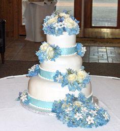 white and blue wedding cake