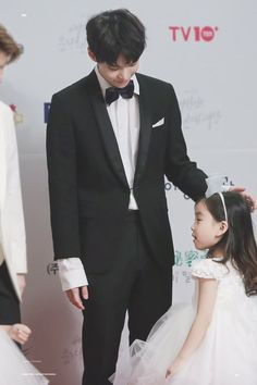 Sweet daddy Doyoung <3