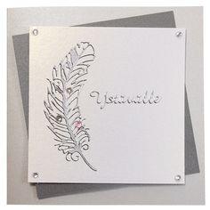 Ääriviivatarrojen avulla tehty yksinkertainen, mutta kaunis tervehdys ystävälle. Akryylitimantit viimeistelevät kortin. Tarvikkeet ja ideat Sinellistä!