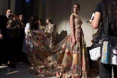 Новая коллекция Valentino на Неделе моды в Париже (© ASSOCIATED PRESS)