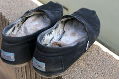How to freshen shoes that you don't wear socks with.