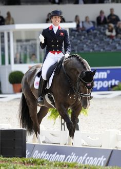 Charlotte Dujardin Valegro - love the red Horse Love, Horse Girl, Horse Caballo, Charlotte Dujardin, Equestrian Outfits, Equestrian Style, Equestrian Memes, Equestrian Problems, Equestrian Fashion