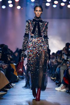 Elie Saab Ready To Wear Fall Winter 2018 Paris
