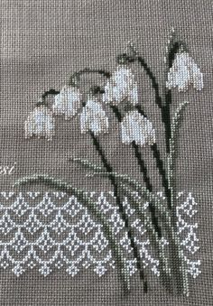1 million+ Stunning Free Images to Use Anywhere Cross Stitch Rose, Cross Stitch Borders, Cross Stitch Baby, Cross Stitch Animals, Cross Stitch Flowers, Cross Stitch Patterns, Wool Embroidery, Ribbon Embroidery, Cross Stitch Embroidery
