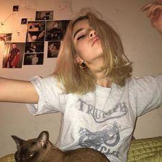 Gonna be my hair tomorrow Aesthetic Photo, Aesthetic Girl, Pretty People, Beautiful People, Grunge Hair, Tumblr Girls, Punk, Looks Cool, Cute Girls