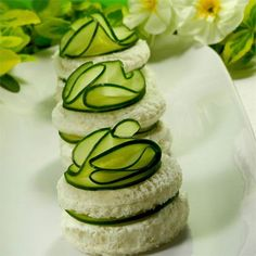 Cucumber Sandwiches III You can use a packet of Hidden Valley Ranch Dressing Mix in lieu of the Italian packet and add cup of sour cream. You need to let the ingredients season overnight for a smoother, more powerful flavor. You can also use dill weed Mini Sandwiches, Cucumber Sandwiches, Hidden Valley Ranch Dressing, Brunch, Cuisine Diverse, Afternoon Tea Parties, Think Food, Christmas Tea, Appetisers