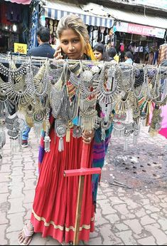 Tips and tricks to shop at Sarojini Nagar Market, Delhi - Hetal Kamdar Delhi Shopping, Shopping Places, Indian Jewelry Earrings, Funky Jewelry, Silver Jewelry, Antique Jewellery Designs, Short Dresses, Summer Dresses, I Dress