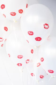 Valentine's Day DIY Kissed Balloons