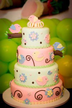 Bolo passaros, inspiração modelo Arte da Ka, feito em bolo de chocolate e recheado de chocolate belga da Maria Antonieta Patisserie