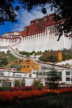 Potala Palace, Lhasa, Tibet, China... Palace of a Lama...