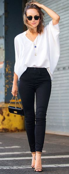 Chic Black + White I would want a bigger bag though