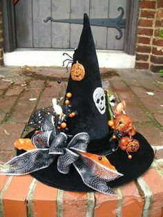 Orange and Black Happy Halloween Witches Hat Table Decoration by English Rose Designs Halloween Witch Hat, Theme Halloween, Outdoor Halloween, Halloween Projects, Diy Halloween Decorations, Holidays Halloween, Happy Halloween, Witch Hats, Scary Halloween