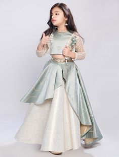 Baby Girl Lehenga, Lehenga For Girls, Kids Lehenga Choli, Lehenga Choli Designs, Gowns For Girls, Frocks For Girls, Dresses Kids Girl, Lehengas For Kids, Chaniya Choli For Kids