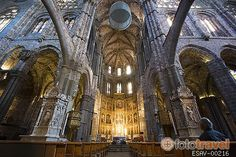 Gótico cisterciense español. Interior de la catedral de Ávila, siglo XII. Fue la primera catedral gótica española.