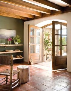 Squared terracotta tiles floor - Country home