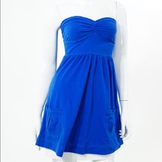 "Royal Blue Strapless Sweetheart cutout pocket Abercrombie & Fitch Royal Blue Strapless Sweetheart Cutout Pocket Casual Dress. Micro ruffle trim to sweetheart neckline, cutout to verso, empire waistline with a-line silhouette skirt, pockets to skirt.   Stretchy. New without Tags never worn. Smoke free and pet free home  .Cotton blend, machine wash cold.   Bust 30"", Length 24"". Abercrombie & Fitch Dresses Strapless"