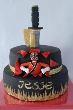 Power Ranger cake @eentaartjevanmij.nl Gateau Power Rangers, Power Rangers Birthday Cake, Power Ranger Cake, Power Ranger Party, Lila Party, Different Cakes, Specialty Cakes, Diy Cake, Cakes For Boys