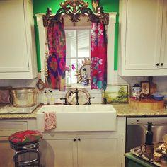 tracy porter's kitchen- poetic wanderlust xx love the curtain Bohemian Kitchen, Bohemian Decor, Bohemian Bedrooms, Gypsy Home, Tracy Porter, Deco Boheme, Boho Inspiration, Kitchen Redo, Cozy House