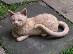 Kočička odpočívá (na objednávku)
