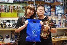 【大阪店】2014.09.09 素敵なカップルにスナップ頂きました^^悩んだ末に追加キャップもご購入して頂きました!あと少しの大阪観光楽しんでくださいね♫♫