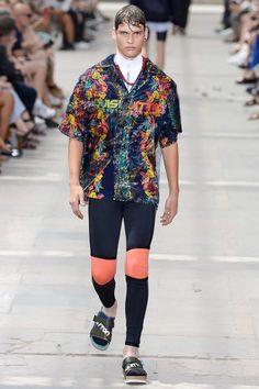 Louis Vuitton Spring-Summer 2018   Paris Fashion Week