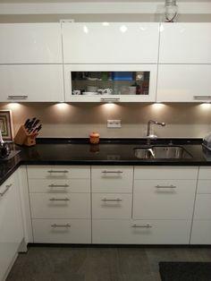 Single Küche 8m2 endlich fertig - Fertiggestellte Küchen - Nobilia