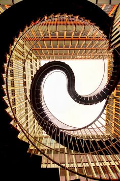 Umschreibung Staircase, Munich - by artist/designer Olafur Eliasson (photo: ©Guillaume Rio) Grand Staircase, Staircase Design, Beautiful Architecture, Architecture Details, Architecture Renovation, Escalier Design, Balustrades, Olafur Eliasson, Beautiful Stairs