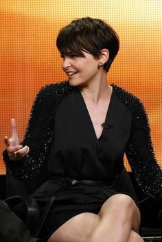 If I ever went pixie short again, I'd want my hair to look just like Ginnifer Goodwin's. Girl knows how to rock that look. Of course ill have to loose 30 lbs. lol