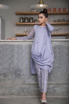 Pakistani Fashion Party Wear, Indian Fashion Dresses, Dress Indian Style, Indian Designer Outfits, Designer Dresses, Fashion Outfits, Pakistani Cape Dresses, Beautiful Pakistani Dresses, Pakistani Dress Design