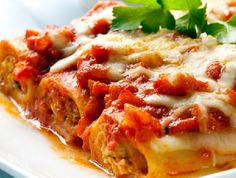 Tasty and delicious, this easy recipe uses ricotta, mozzarella and mince to stuff the cannelloni to create a great dish to feed the family. Sprinkle Parmesan cheese over the top for the perfect finish. Fast Healthy Meals, Easy Meals, Comidas Pinterest, Ricotta, How To Read A Recipe, Growing Mushrooms, Spinach And Cheese, Baked Apples, Pinterest Recipes
