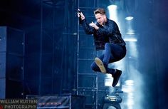 Tweets with replies by CaRo ~ 1R & ID (@KSyjud) | Twitter #OneRepublic #RyanTedder #Native 2015 Pop Rock Bands, Cool Bands, Bass Cello, Ryan Tedder, I Love Him, My Love, Eddie Fisher, Onerepublic, My One And Only