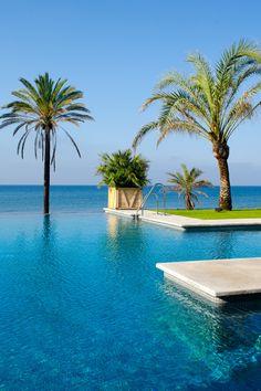 Infinity Pool Beach Club Estrella del Mar