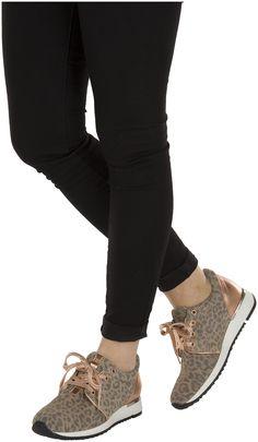 Taupe Omoda Sneakers --> http://www.omoda.nl/dames/sneakers/omoda/taupe-omoda-sneakers-61136358-55957.html/?utm_source=Pinterest&utm_medium=referral&utm_campaign=OmodaSneakersTaupe17-03-15&s2m_channel=903