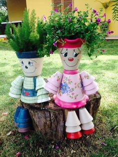 Clay pot people - Decorations made of ceramic pots 18 projects made this summer – Clay pot people Flower Pot Art, Clay Flower Pots, Terracotta Flower Pots, Flower Pot Crafts, Clay Pot Projects, Clay Pot Crafts, Diy Clay, Diy And Crafts, Flower Pot People