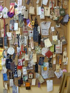 Prayer Tags: write a prayer and take a prayer! Great project for the notice board of a school, church, or home or for a prayer station. Prayer Wall, Prayer Room, Prayer Board, Br House, Prayer Stations, Youth Ministry, Ministry Ideas, Prayer Ministry, Prayer Flags