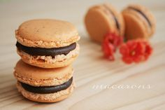 Macarons ricetta, trucchi e consigli Macaron Flavors, Macaron Recipe, Vanilla Macarons, Mini Pastries, Macaroon Cookies, Muffins, Oatmeal Chocolate Chip Cookies, Breakfast Cake, Mini Desserts