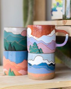 Ceramic Mugs, Ceramic Pottery, Pottery Art, Ceramic Art, Painted Pottery, Painted Mugs, Clay Crafts, Diy And Crafts, Arts And Crafts