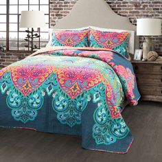 Lush Decor 3 Piece Boho Chic Quilt Set, Full/Queen, Turquoise/Navy: The beautiful patterns and colors of this bohemian style print is perfect for all seasons throughout the year. Modern style art is brought to your bedroom in this chic and stylish design. Bohemian Bedrooms, Shabby Chic Bedrooms, Bohemian Bathroom, Girl Bedrooms, Trendy Bedroom, Modern Bedroom, Guest Bedroom Colors, Bedroom Colour Palette, Bedroom Decor