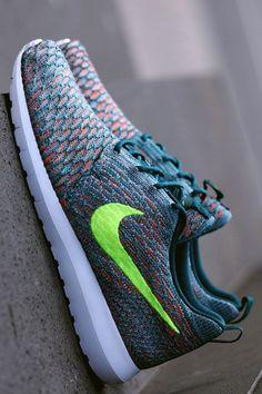 Nike Roshe Run Flyknit: Mineral Teal