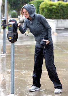 celebrities in rain - Ecosia Greys Anatomy Gifts, Greys Anatomy Cast, Grey Anatomy Quotes, Ellen Pompeo, Torres Grey's Anatomy, Greys Anatomy Characters, Lexie Grey, Kate Walsh, Patrick Dempsey