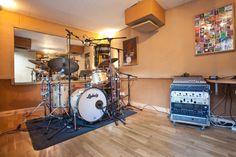Leading UK session drummer Tim Weller's specialist London drum studio, The Drum Shed. www.miloco.co.uk/drumshed