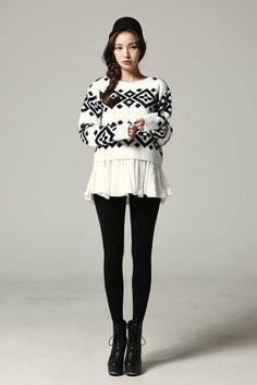 Round Neck Pattern Knit Sweater