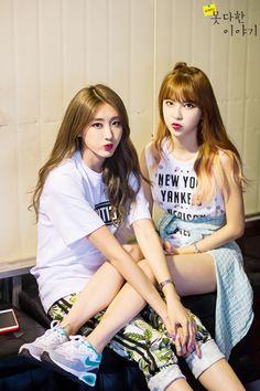 Hyuna and Hyemi - Nine Muses